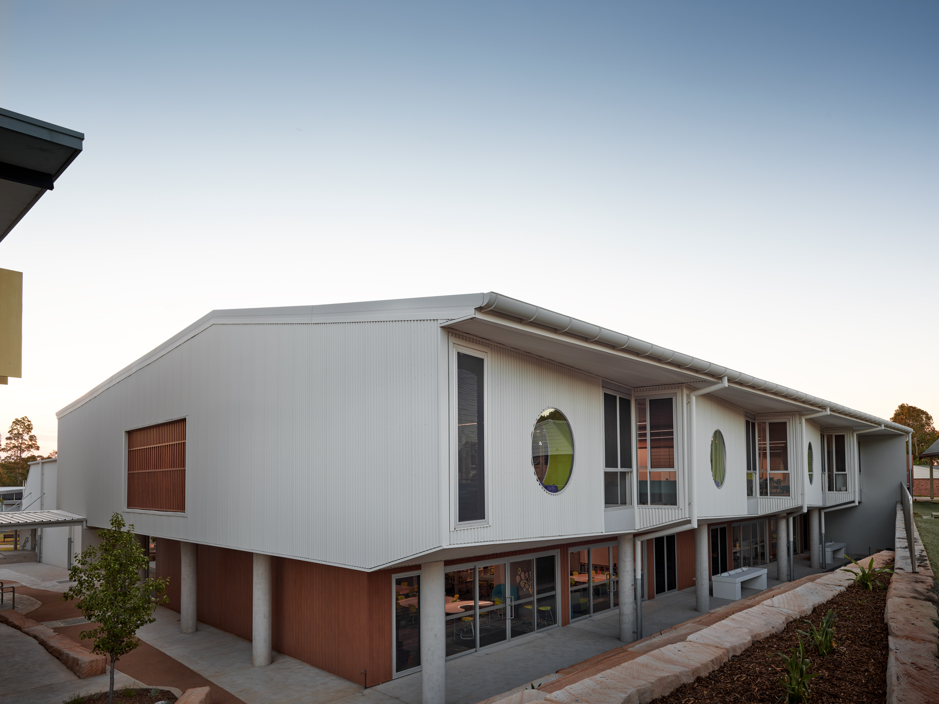 10_luke_butterly_architecture_photography_Gledhill_broughton_anglican_college
