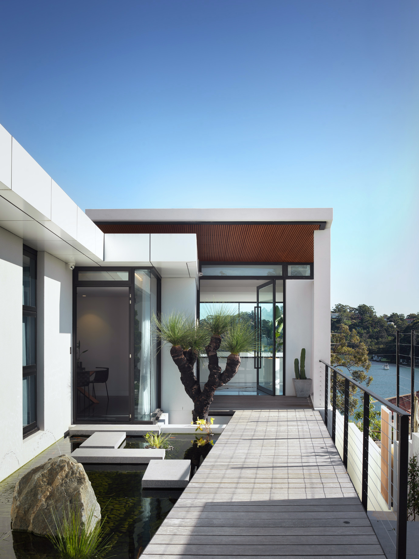 luke-butterly-2020-Oyster-Bay-House-by-Couvaras-Architecture-Sydney-NSW--42