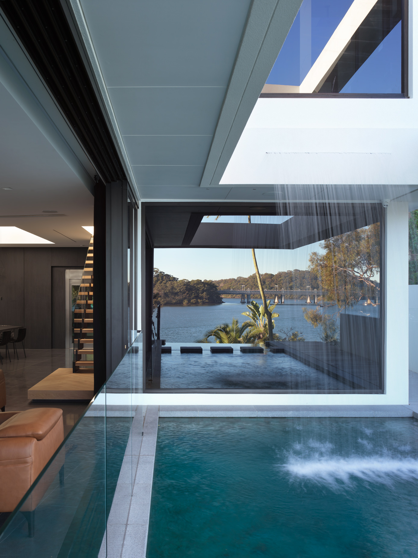 luke-butterly-2020-Oyster-Bay-House-by-Couvaras-Architecture-Sydney-NSW-10
