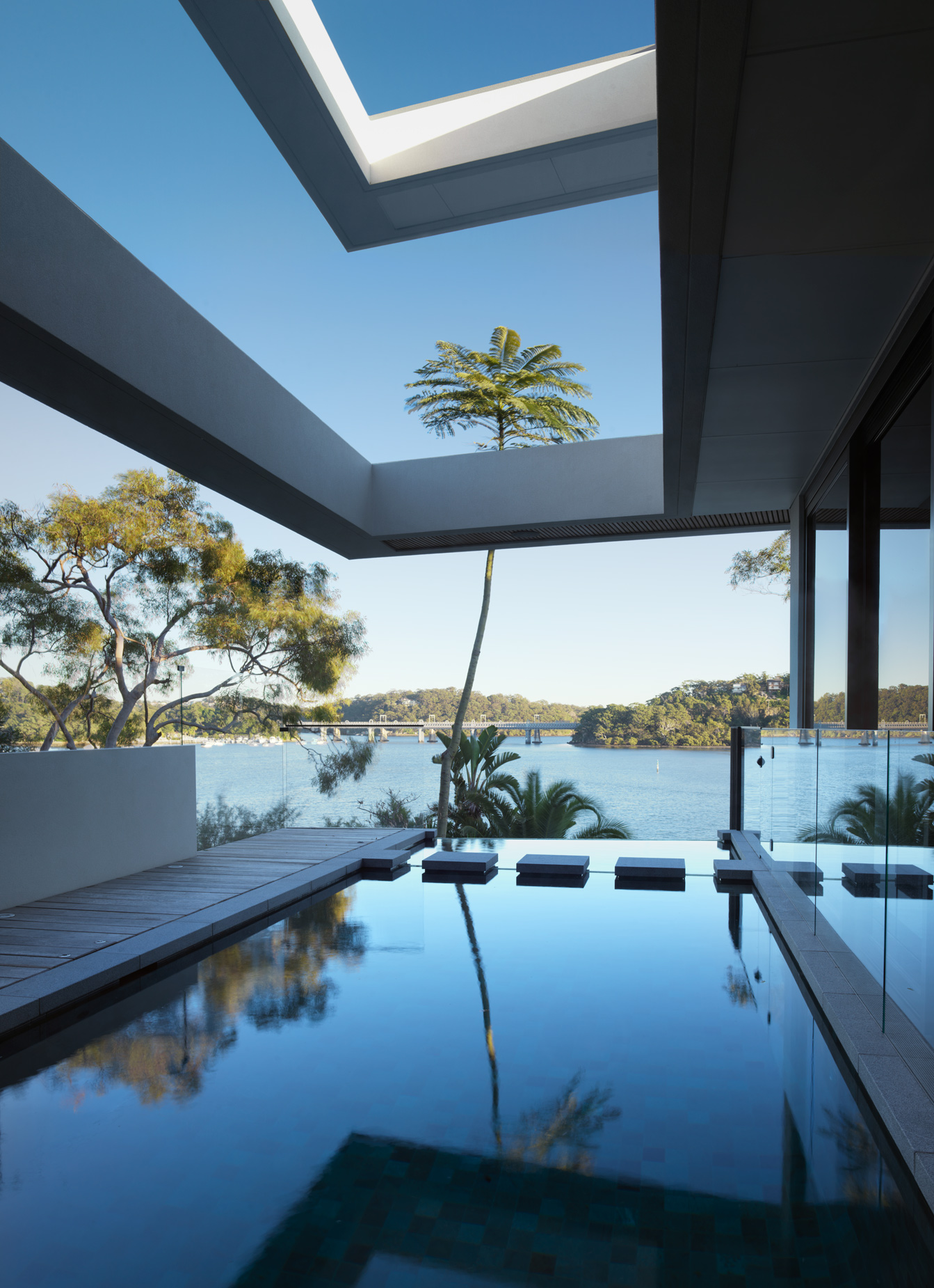 luke-butterly-2020-Oyster-Bay-House-by-Couvaras-Architecture-Sydney-NSW-11