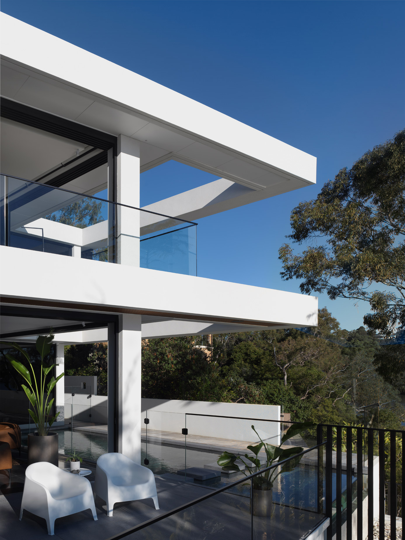 luke-butterly-2020-Oyster-Bay-House-by-Couvaras-Architecture-Sydney-NSW-18