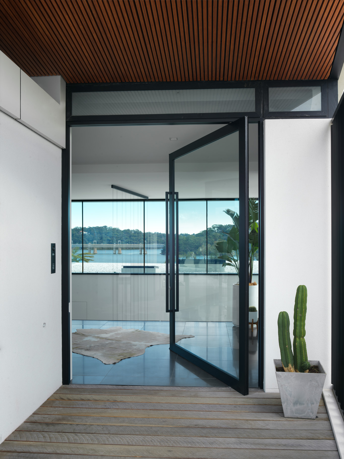 luke-butterly-2020-Oyster-Bay-House-by-Couvaras-Architecture-Sydney-NSW-201