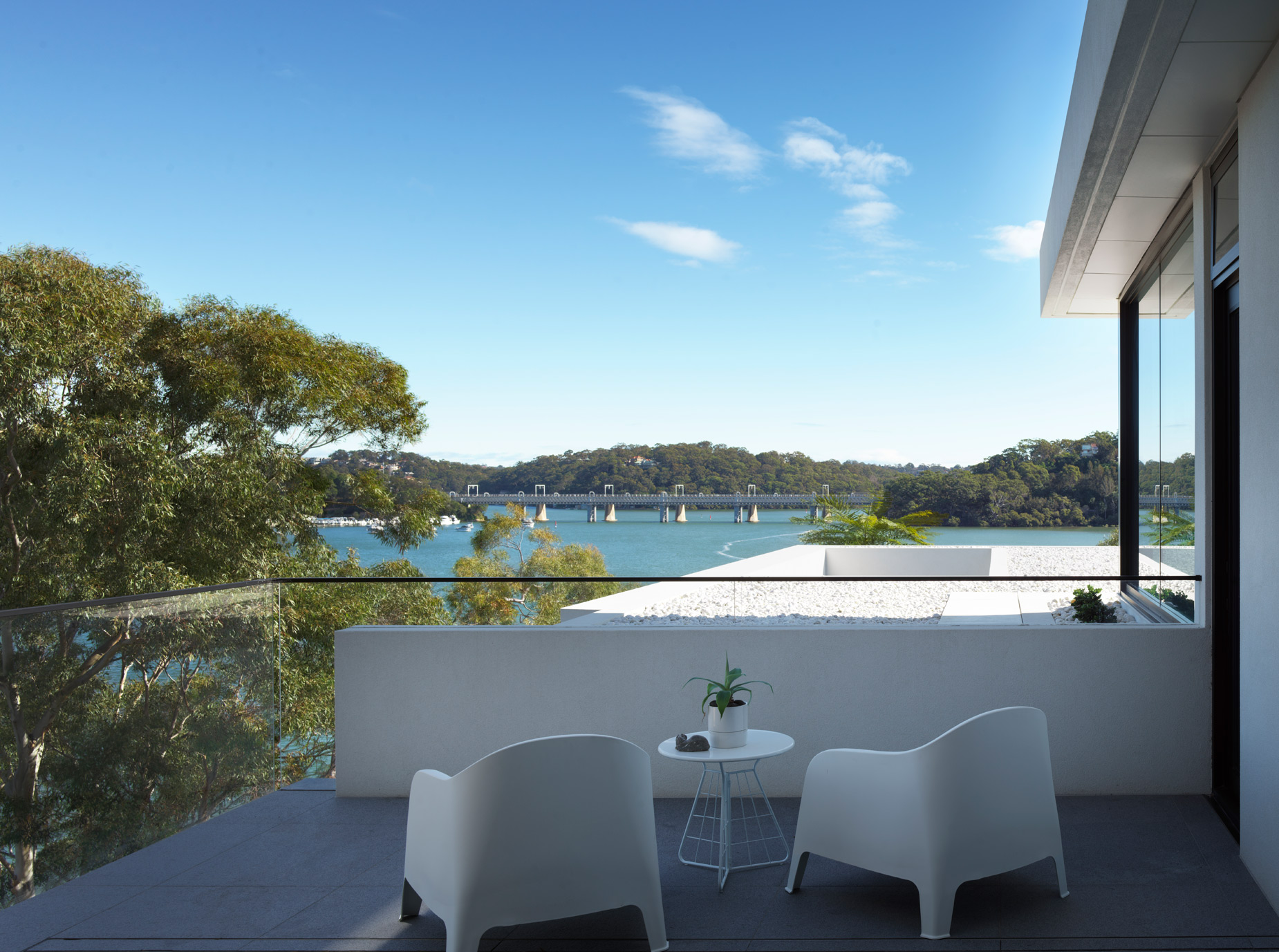 luke-butterly-2020-Oyster-Bay-House-by-Couvaras-Architecture-Sydney-NSW-9