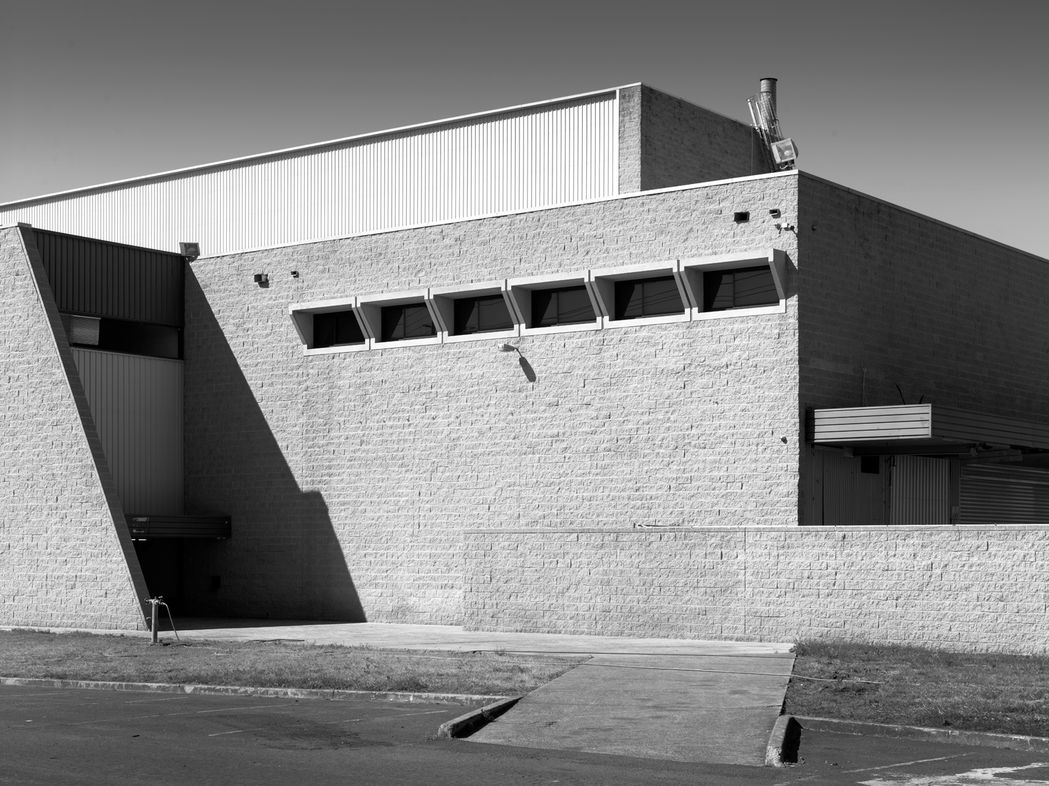 luke-butterly-torin-building-Penrith-marcel-breuer-5